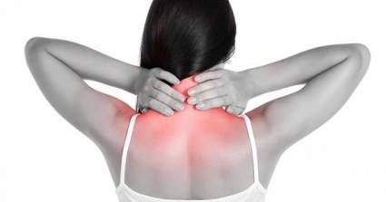 Спровоцировать болевой синдром могут резкие движения