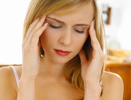 Онемение при остеохондрозе возникает при нарушении кровообращения в области шеи и головы