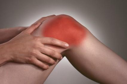 Специалисты выделяют различные очаги воспаления в области колена