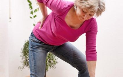 При остром пиелонефрите,возникают интенсивные боли в левом подреберье