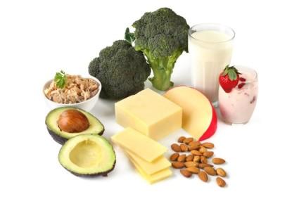 Необходимо употреблять в пищу продукты, насыщенные кальцием, минералами и витаминами