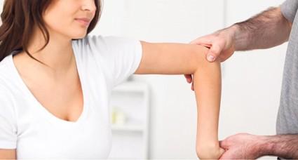 При длительном обездвиживании сустав сложно разработать