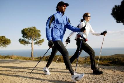 Практикуется скандинавская ходьба на начальных этапах заболевания