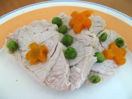 Диетологами рекомендуется в качестве животного источника белка употреблять постное и вареное мясо