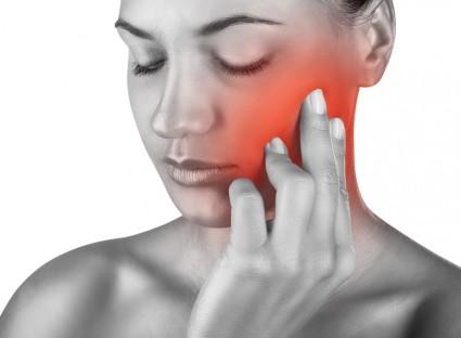 При первых болях в затылочном или тройничном нерве нужно обратиться к доктору