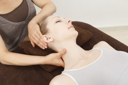 Основные преимущества массажа это избавление от болевого синдрома