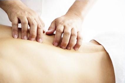 ЛФК и массаж входят в комплексное лечение при грыже