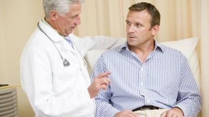 Осмотр уролога или андролога позволят исключить патологию простаты
