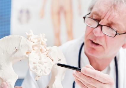 Также лечить обостренные симптомы можно, применяя физиотерапевтические методы