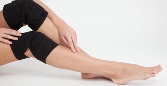 болят колени