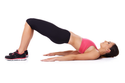 Все упражнения следует делать на ровной и жесткой поверхности