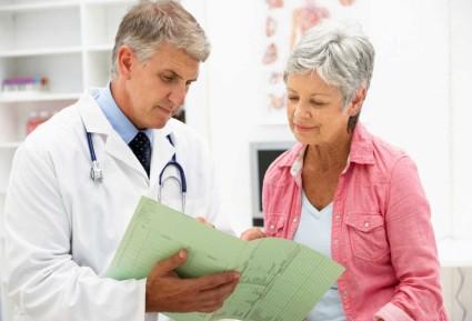 Во время артрита лейкоциты в крови завышают свои нормальные характеристики,а при артрозе перечисленные показатели будут в норме
