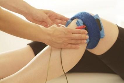Физиотерапия с помощью лазера оказывает точное воздействие на пораженный сустав