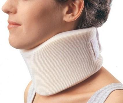 В случае повреждения диска врач может назначить носить воротник Шанца