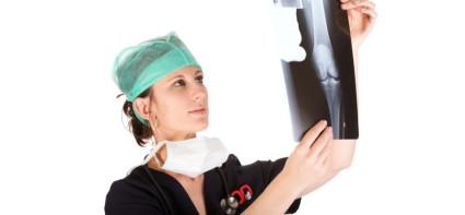 Диагностику проводит врач-ревматолог