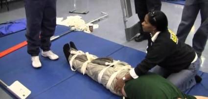 Работники «скорой помощи» осуществят правильную транспортировку