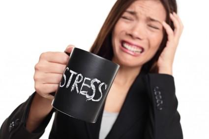 С развитием заболевания возникают депрессия, постоянная нервозность