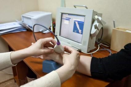 Методика основана на определении скорости распространения ультразвуковых волн по костным тканям