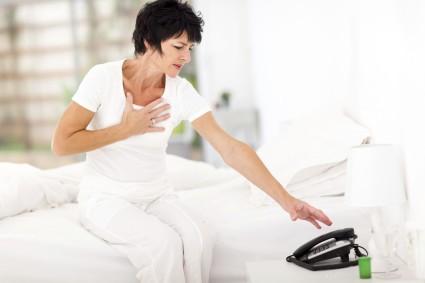 При прогрессировании грудного остеохондроза нужно немедленно обратиться к врачу