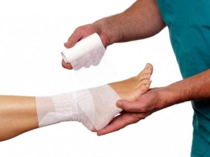 Ушиб ноги - это травма, являющаяся закрытым повреждением тканей