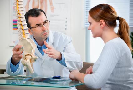 В результате травмы позвоночника может развиться асептический спондилит