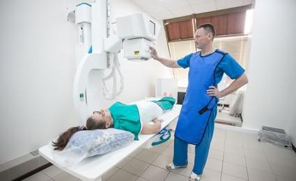 На рентгеновском снимке можно увидеть все костные образования позвонка