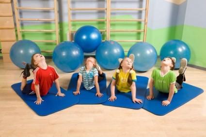 На протяжении дошкольного периода предпочтительно применять класс игровых упражнений