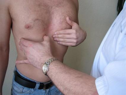Для того чтобы поставить точный диагноз пациенту назначают рентгенографию, КТ и МРТ