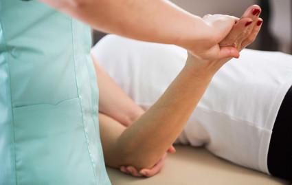 Массаж дополняет восстановительное лечение