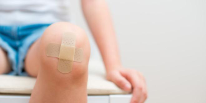пластырь на коленочке