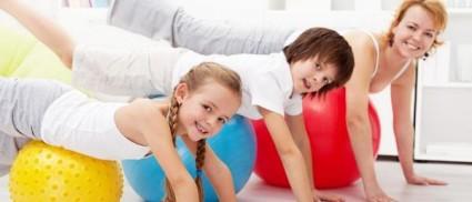 Гимнастика показана как для детей, так и взрослых людей