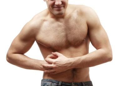 При панкреатите возникают сильные болезненные проявления в левом подреберье