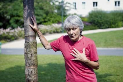 Особенно вызывает опасение одышка при остеохондрозе
