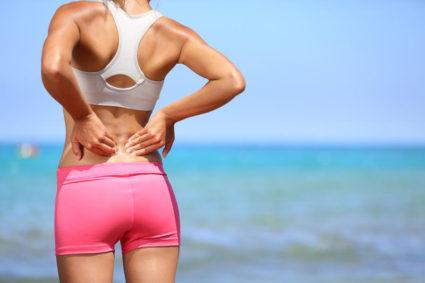 Боль изначально сосредоточена в районе ягодиц или тазобедренного сустава