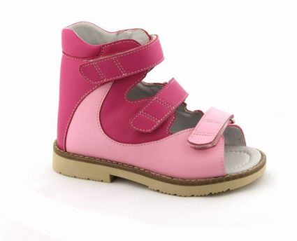 Лечебная антиварусная обувь при косолапости,способствует правильной постановке стопы