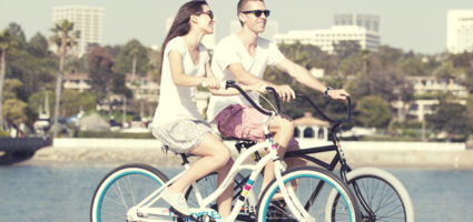 Дополнительно полезной будет езда на велосипеде с высоким рулем