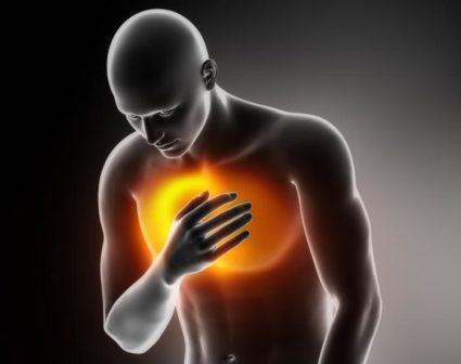 Если наблюдается жжение в области грудной клетки, это может быть признаком изжоги