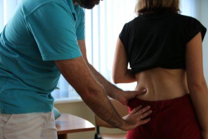 Боль, острая, простреливающая - это основные признаки люмбаго