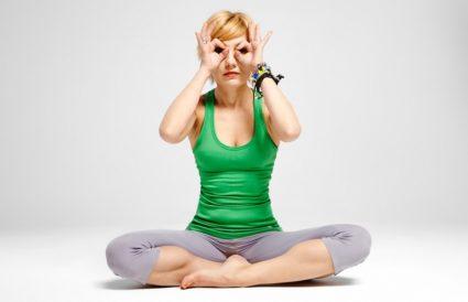 Йога полезна при сколиозе