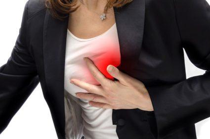 Часто люди сталкиваются с состоянием, когда давит в груди
