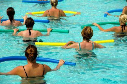 Упражнения в бассейне  очень полезны