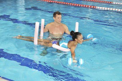 Гимнастика полезна, и не стоит забывать о бассейне