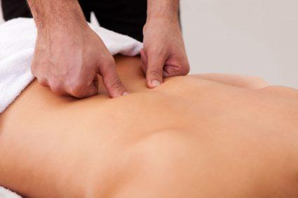 Болит поясница женщин и при остеопорозе в период климакса