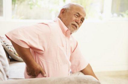 Порой острая боль в пояснице – это следствие заболеваний органов