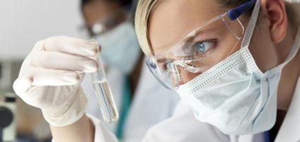 Перед тем как назначить лечение, врачом проводится неврологический осмотр