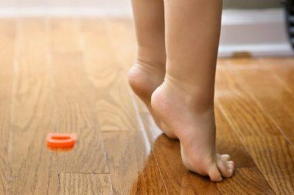 Лишний вес у ребёнка,может привести к пяточной шпоре