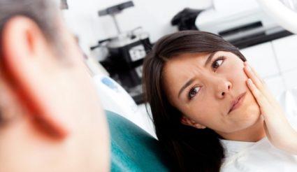 Лечение перелома нижней челюсти проводится при помощи специальной проволоки