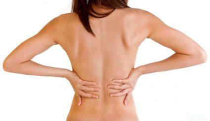 При возникновении остеохондроза или травмировании возникают разрывы в фиброзном кольце