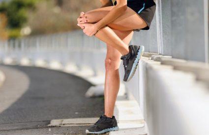 Спортсмены,танцоры и люди преклонного возраста подвержены заболеваниям суставов