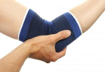 Работники профессий с нагрузкой на руки используют фиксаторы локтевого сустава